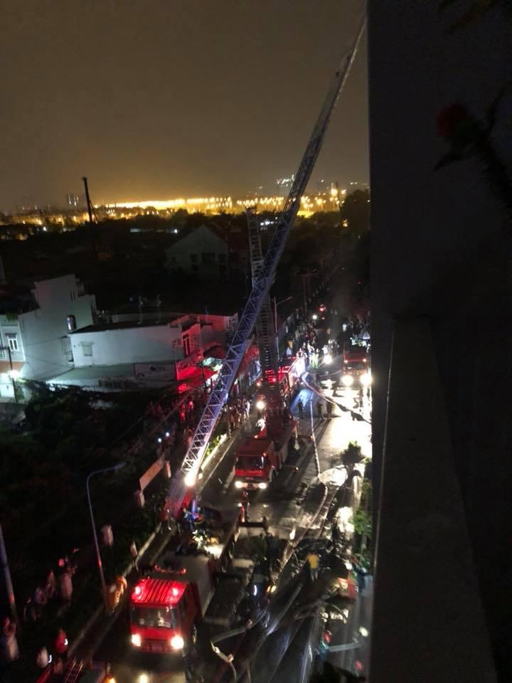 TP.HCM: Cháy chung cư cao cấp, 13 người chết - 5